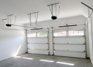 porte de garage à deux vantaux